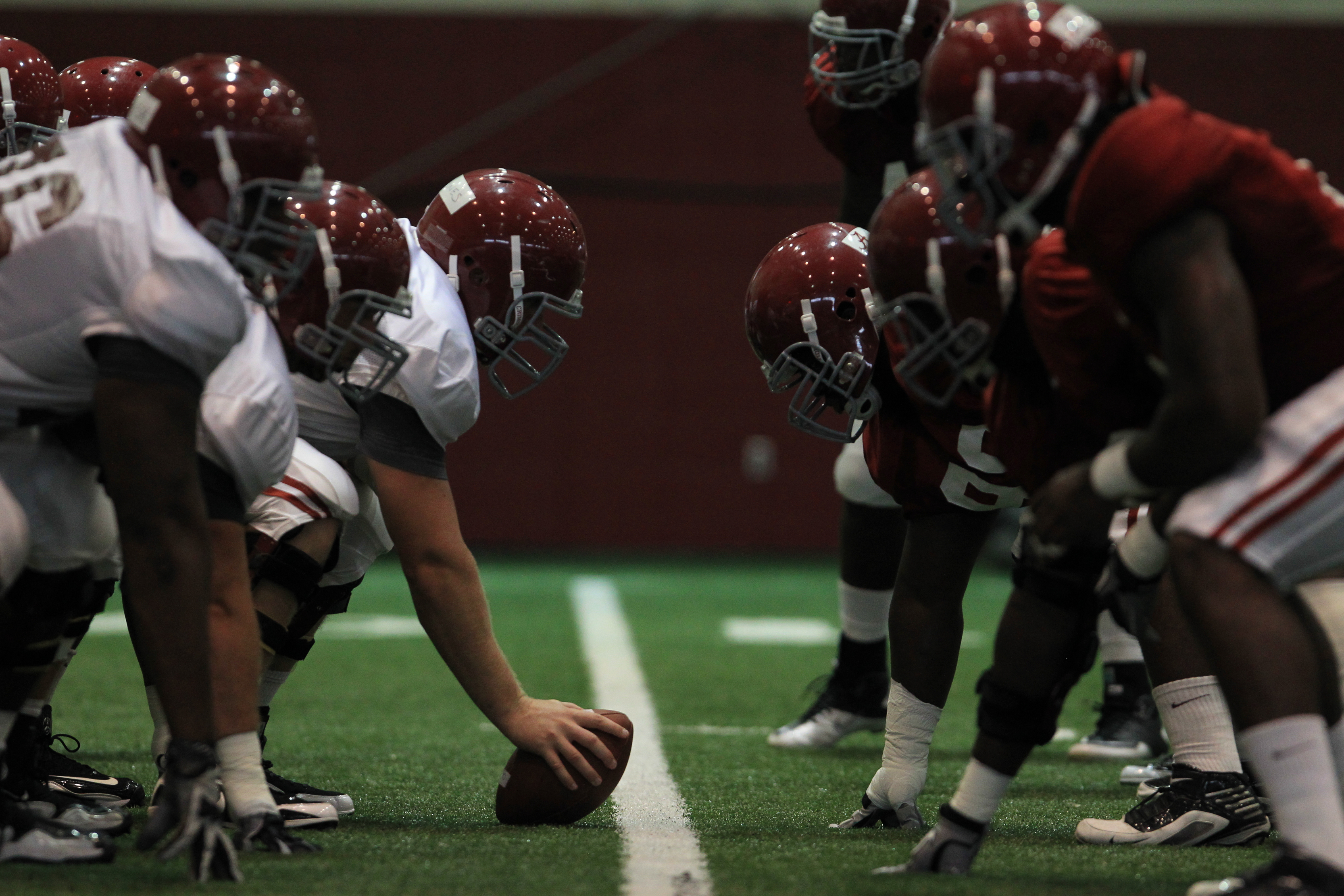 Tide Prepares for First Scrimmage