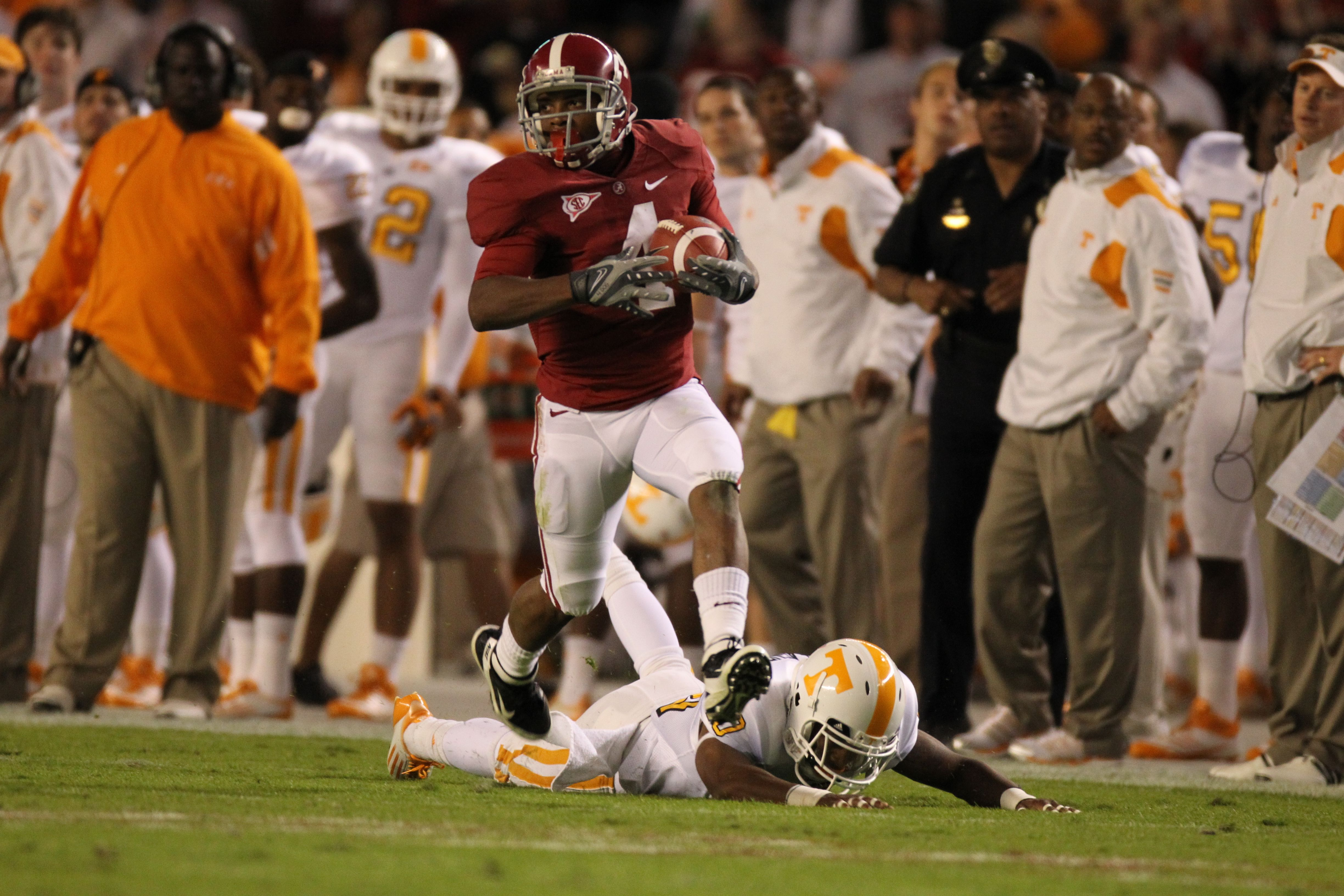 Football Downs Tennessee, 37-6 (Exclusive WVUA Video)