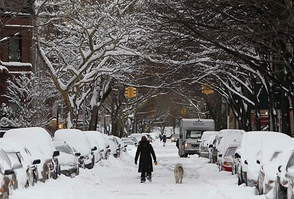 Millions powerless as snow smacks Northeast
