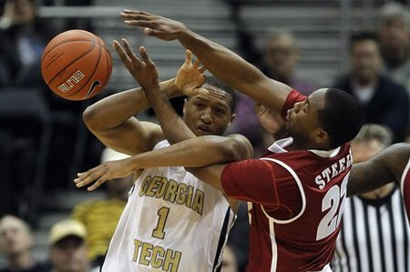 Men's Basketball Beats Georgia Tech, 73-48