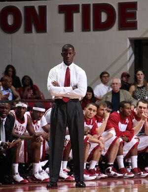 Men's Basketball Set to Host Mississippi