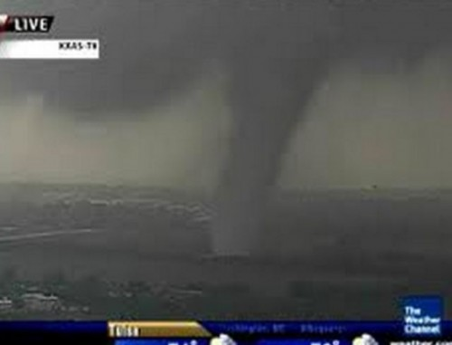 Cleanup starts after tornadoes tear through Dallas-Fort Worth area