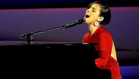Alicia Keys, Brad Paisley rock out at Inaugural Ball