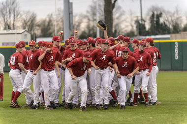 No. 22 Alabama Baseball Drops Series to No. 18 Mississippi with 5-2 Loss on Saturday